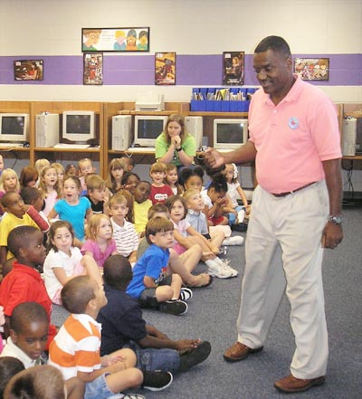 Joseph Trimble Telling a Story to children at Coosada Elementary School Alabama